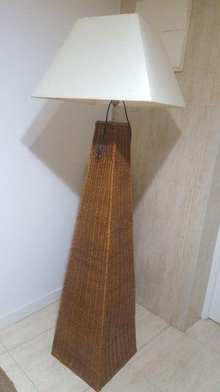 lámpara de pié