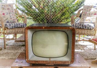 3 tv antigua y radio vintage