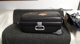 maleta rígida negra