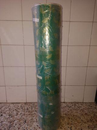 Se vende rollo de papel de regalo de 10kg y 80mts