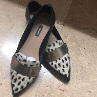 Zapatos som.mits