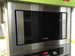 Marco de encastre microondas Samsung