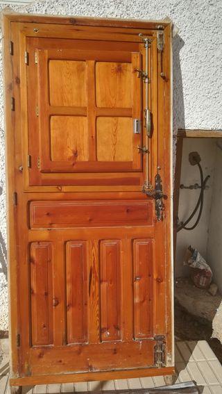 puerta de madera de segunda mano muy buen estado