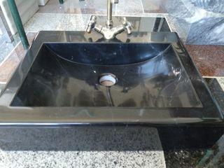 lavabo en negro marquina