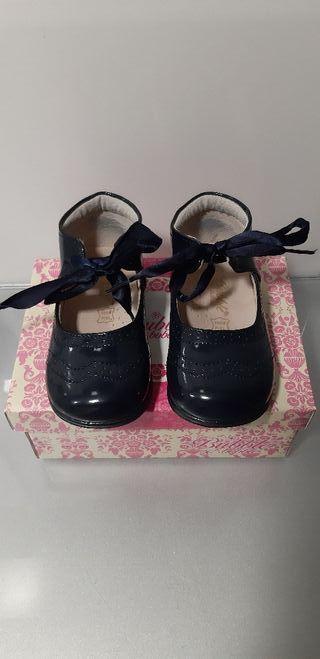 Merceditas zapatos niña T22.