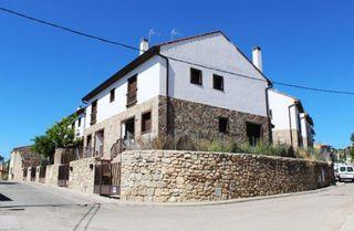 Casa adosada en venta en Redueña