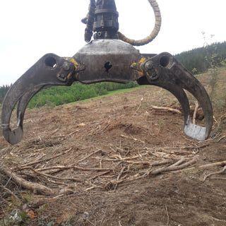 Grapa giratoria hidráulica forestal