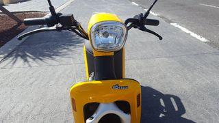 motocicleta 100% eléctrica Askoll ES1