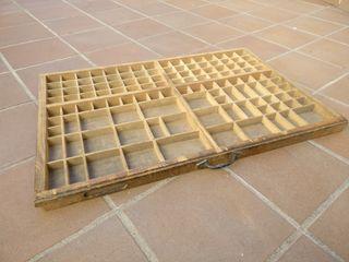 Cajón de imprenta o Chivalete