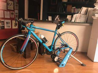 Bicicleta de carretera Cube