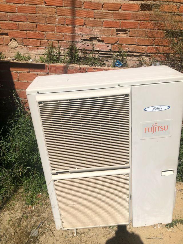Máquina de aire acondicionado fujitsu 11000 frigor