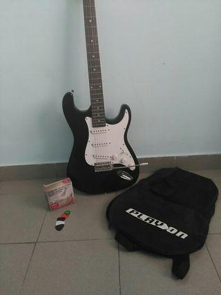 Guitarra Eléctrica + Accesorios PlayOn