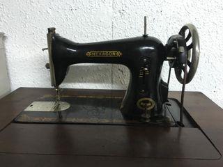 Máquina coser HEXAGON DE SINGER muy antigua