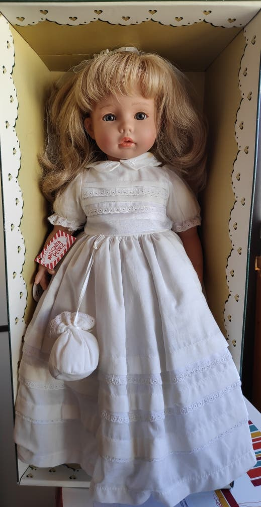 Muñeca de comunión Mariquita Pérez