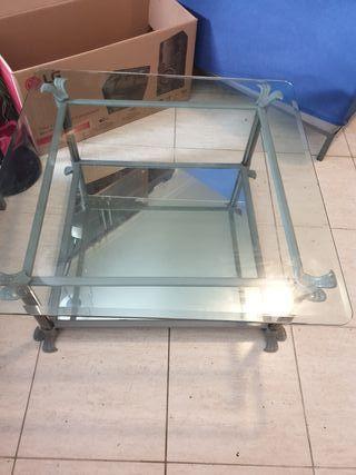 mesa de centro de cristal y espejo.