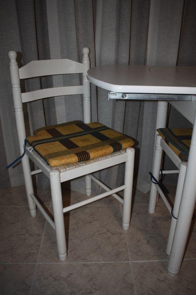 Mesa cocina blanca + sillas