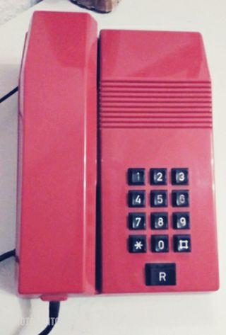 Teléfono fijo de baquelita