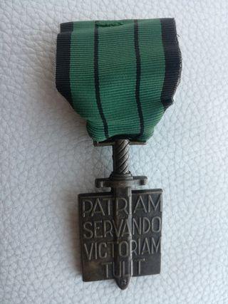 medalla francesa a veteranos de la resistencia.