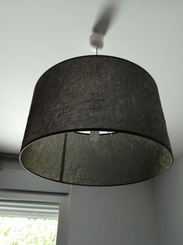 lámpara de techo gris oscuro