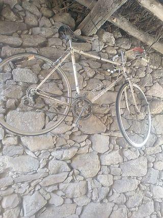 bicicleta fe carretera antigua