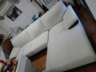 sofa, mesa comedor, radiador
