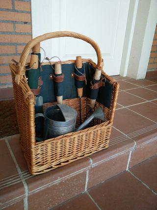 cesta de herramientas de jardín