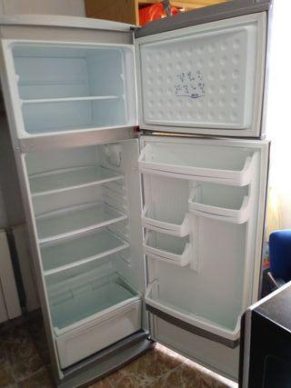 frigorífico 2 puertas 1.70 alto 0,60 ancho