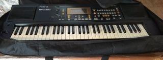 Piano Roland 50