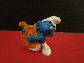 figura de goma pvc pitufo con arpa lira