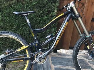 Bicicleta descenso nukeproof 27,5 scalp