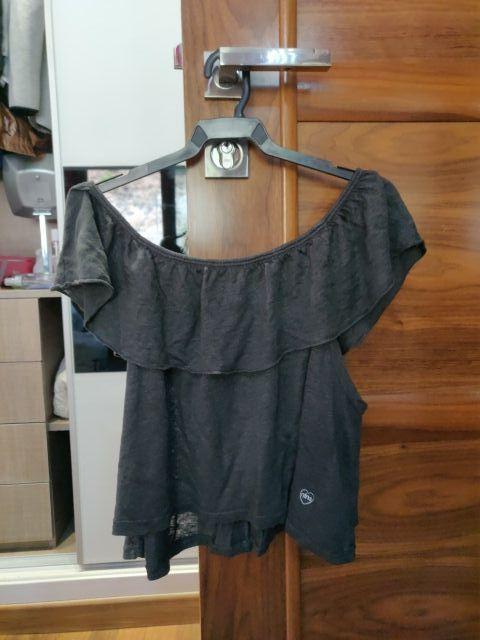 camiseta nins hombros bajos