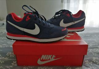 Zapatillas Nike, sin estrenar.