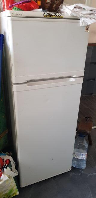 nevera congelador 2 puertas