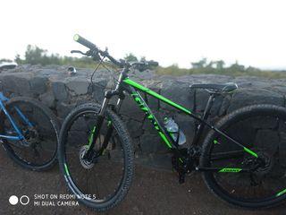 la bici costo 760 euros solo tienen dos salidas