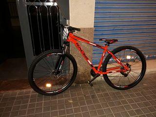 bicicleta Racer .practicamente nueva