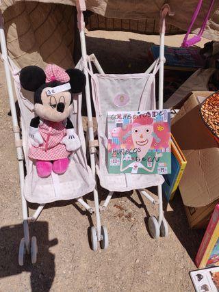 cochecito doble para muñecas marca La nina