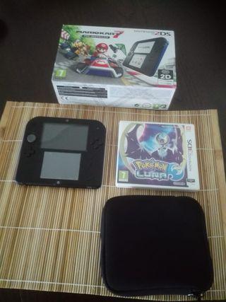 Nintendo 2 ds + mario kart+ pokemon luna