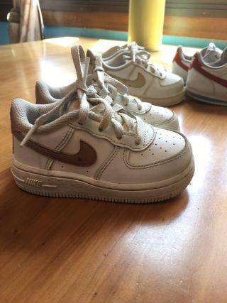 Bambas Nike 3 diferentes