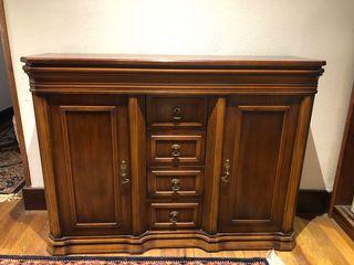Mueble antiguo en perfecto estado