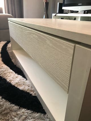 Mesa de salón blanca de madera maciza