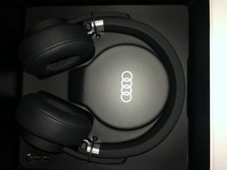 Auriculares Audi nuevos. SIN ESTRENAR