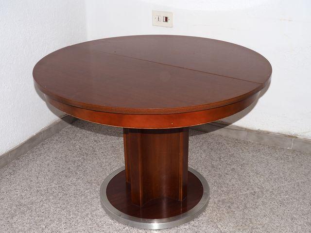 Mesa de comedor redonda extensible. Pie central. de segunda mano por ...