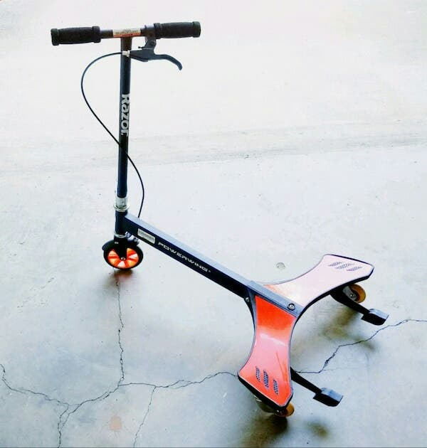 DOS PATINETES SCOOTER RAZOR POWERWING.