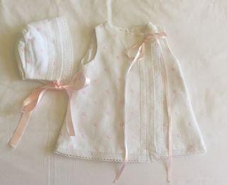 Vestidito y capota piqué blanco