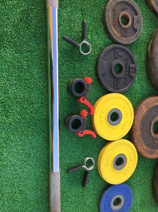 Barra y juego de pesas
