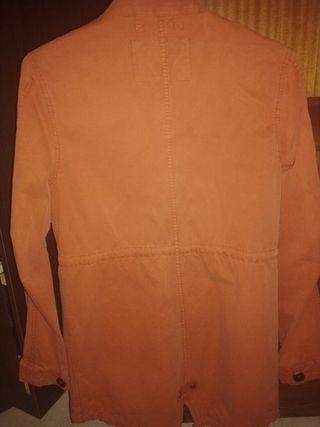 Parca, chaqueta color teja
