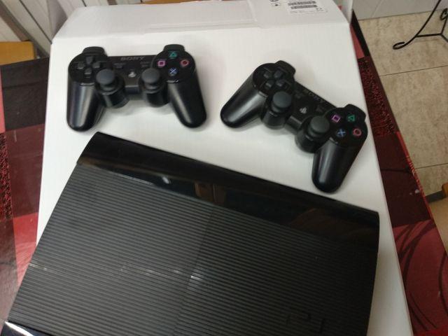 PRECIO NEGOCIABLE PS3 500 GB + 6 juegos + 2 mandos