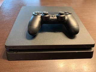 URGE VENDER - PS4 Slim 1Tb + mando + juegos