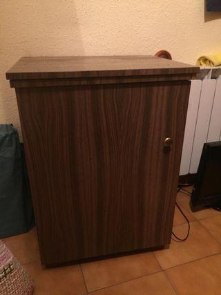 maquina coser Reffrey con mueble