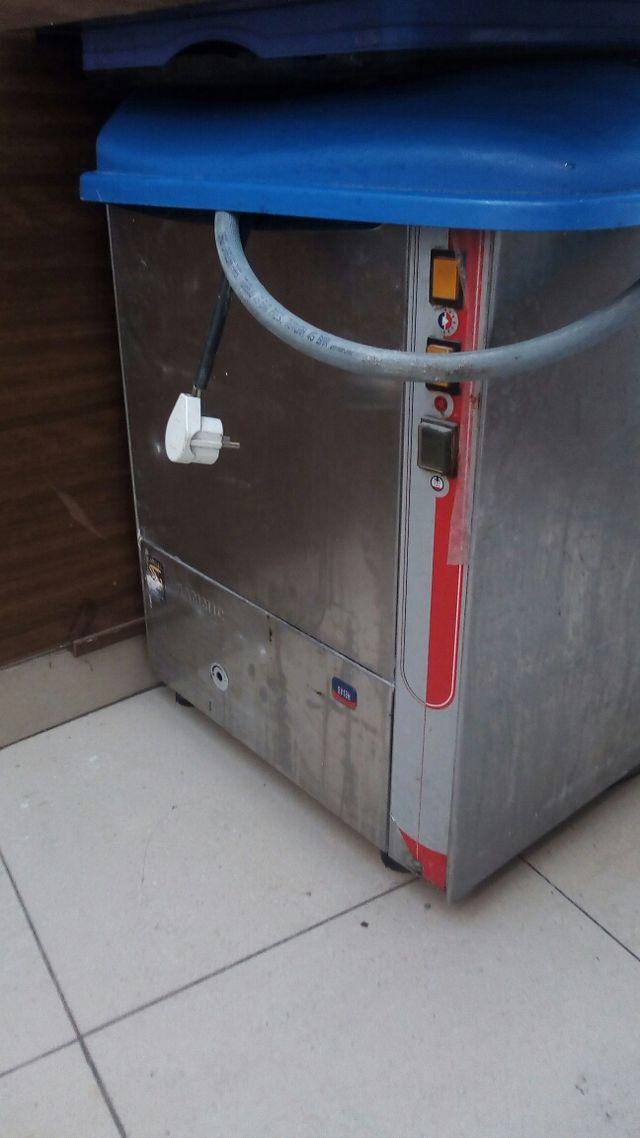 lavavajillas industrial pequeño